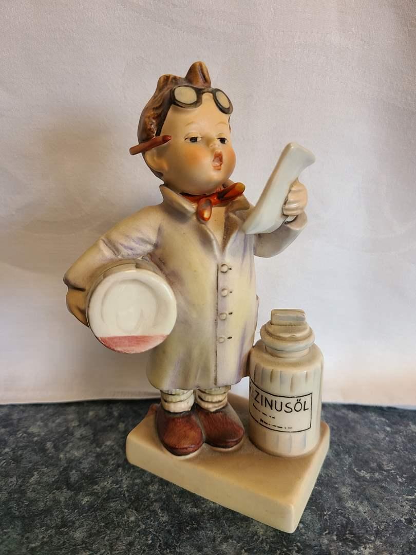 Lot# 46 - Vintage Hummel 322 Little Pharmacist * Rizinusol (German for Vitamins) (main image)