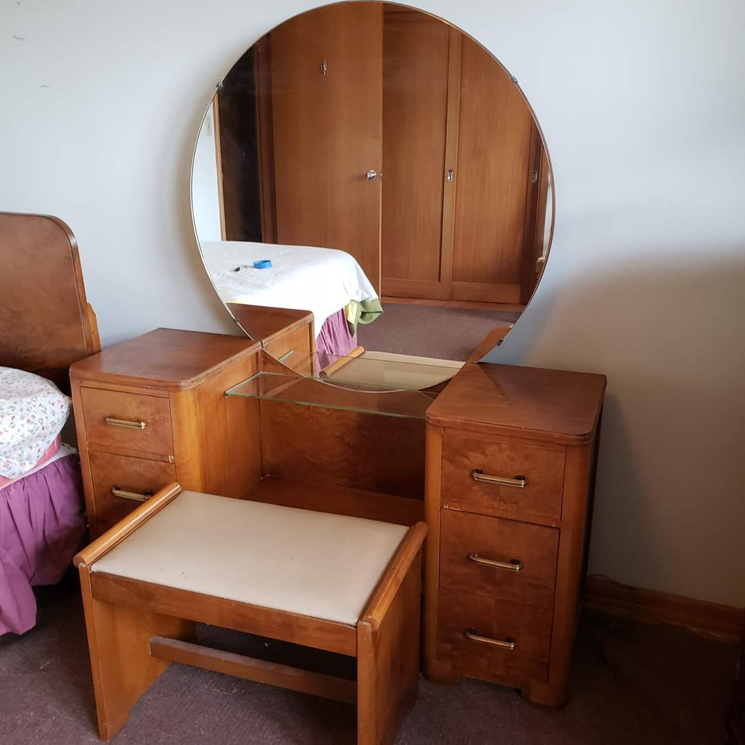 Lot# 80 - Antique Vanity with Bench * Furniture (main image)