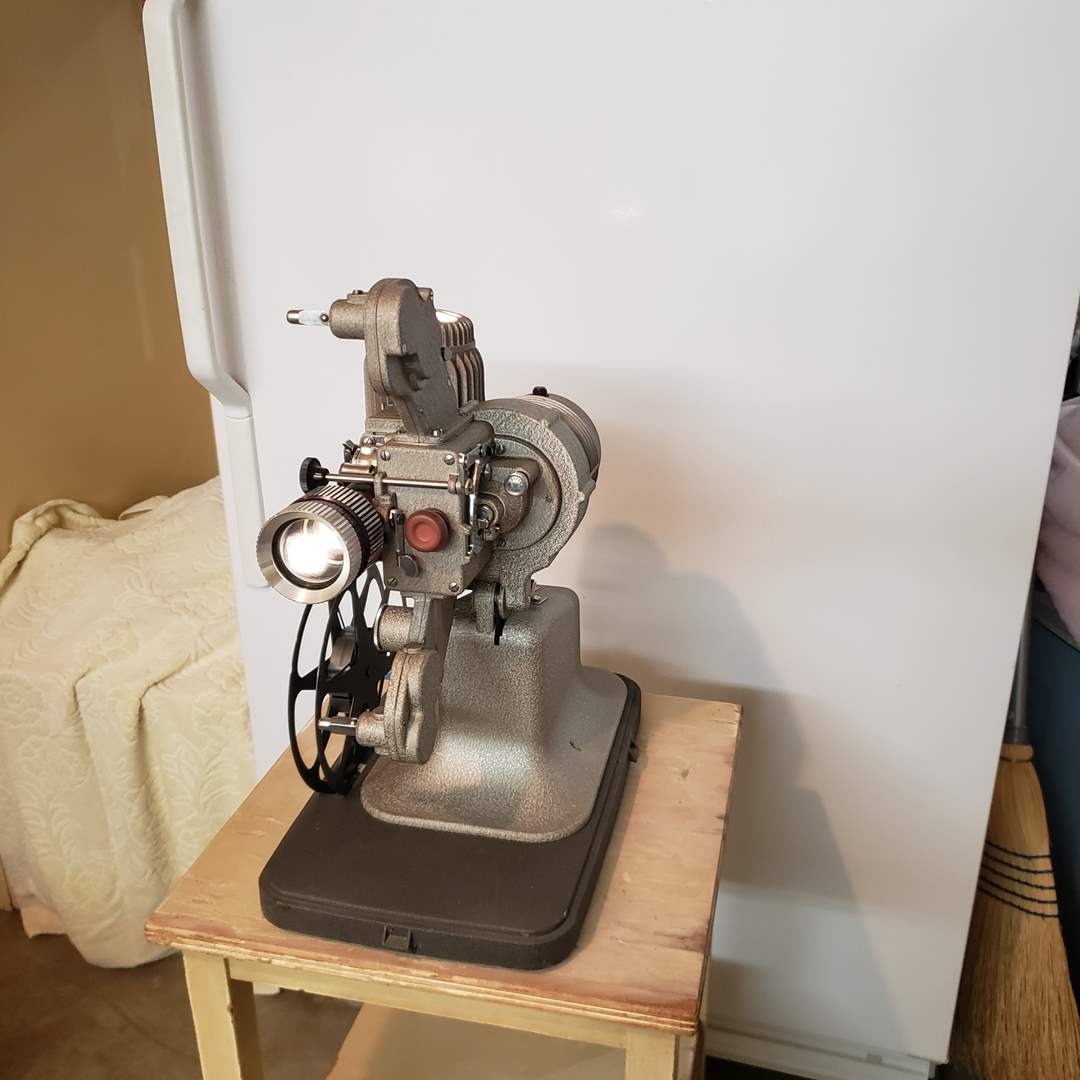 Lot# 97 - Vintage Bell & Howell Reel to Reel in case * Tested and Working (main image)