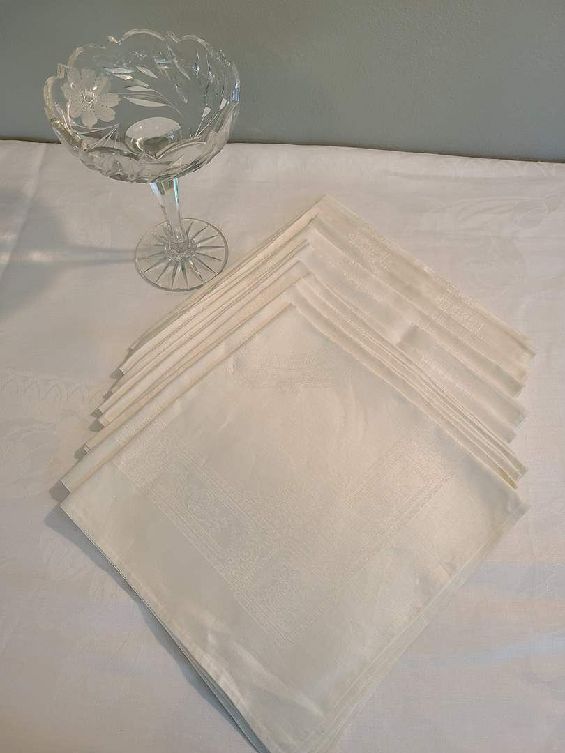 Lot# 64 - Really Nice Napkins mostly new I think * Gorgeous Vintage Crystal Pedestal Candy Dish (main image)