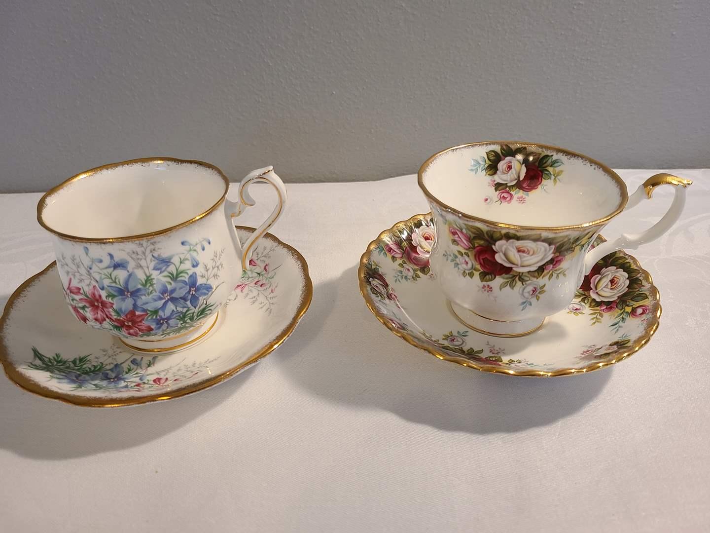 Lot# 152 - 2 Royal Albert Tea Cups & Saucers (main image)