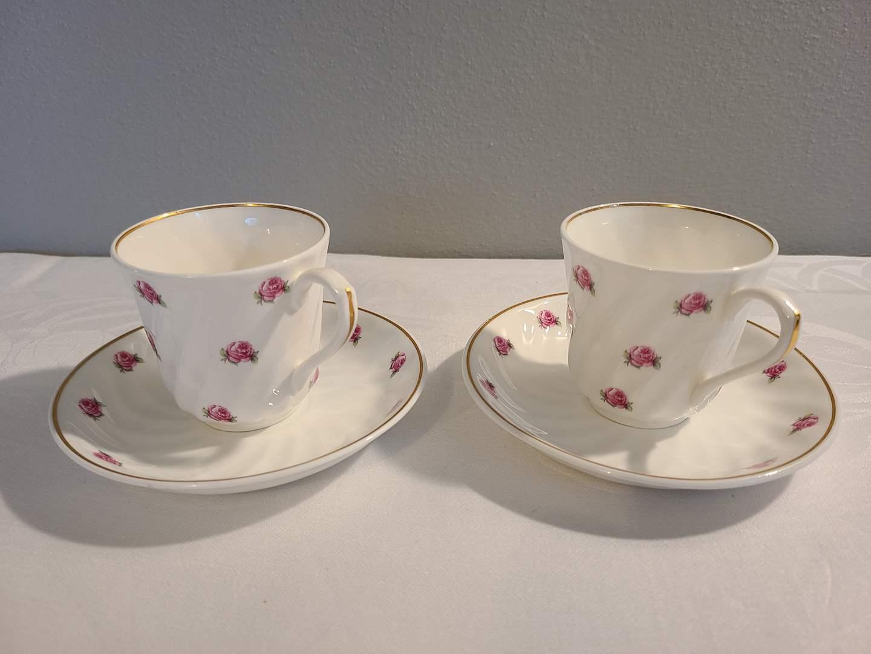 Lot# 153 - 2 Small Tea Cups & Saucers * Gustavsberg * Benpurslin 2497 (main image)