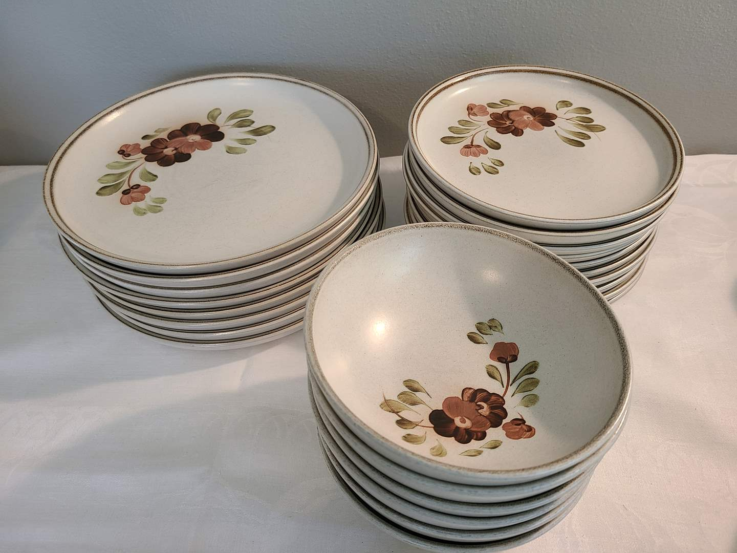 Lot# 138 - Denby Made in England Pottery Dishes (main image)
