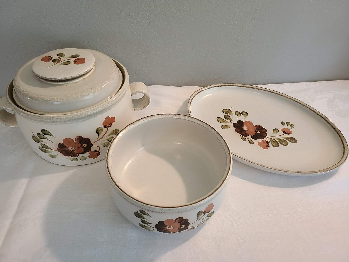 Lot# 136 - Denby Made in England Pottery Dishes (main image)