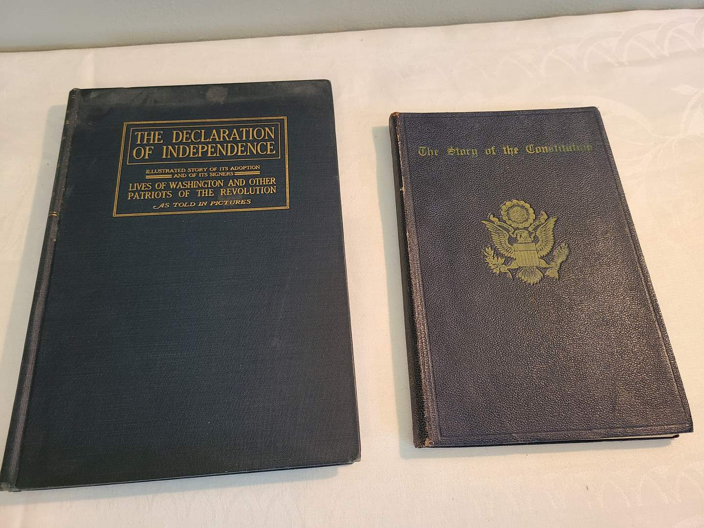 Lot# 131 - 2 Vintage Books * The Declaration of Independence by Robert Casey * The Story of the Constitution by Sol Bloom  (main image)