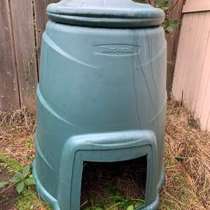 Auction Thumbnail for: Lot #190 - Blackwall Recycling Compost Bin