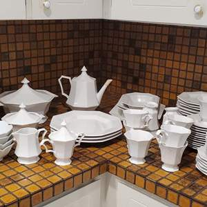 Lot #34 - Set of Independence Ironstone, Japan and Extra Pieces of Gibson