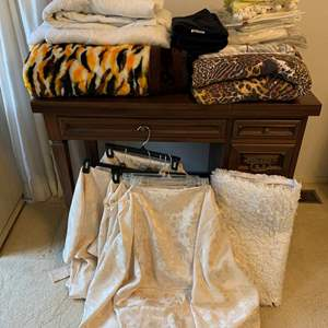 "Lot #64 - Beautiful ""Mink"" Blanket, Bedding and Linens, Martha Stewart Home"