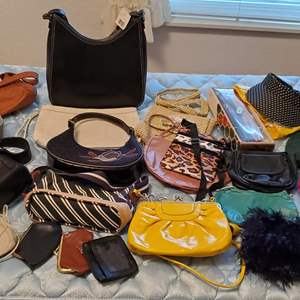Lot #86 - Selection of Purses: Liz Claiborne, Tommy Hilfiger, Small Leather Bags, Gloves & Hats