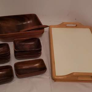 Lot #263 - Monkeypod Salad Set with 6 Bowls and Bed Dinner Tray