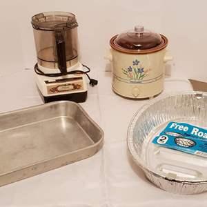Lot #270 - Rival Slow Cooker Crock Pot, Sunbeam LeChef Food Processor and Roaster Pans