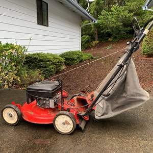 """Lot #289 -  Homelite 20"""" Briggs and Stratton Self Propelled Gas Mower"""