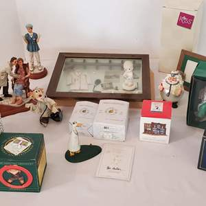 Lot #314 - Novelty Doctor Theme: Resin and Porcelain
