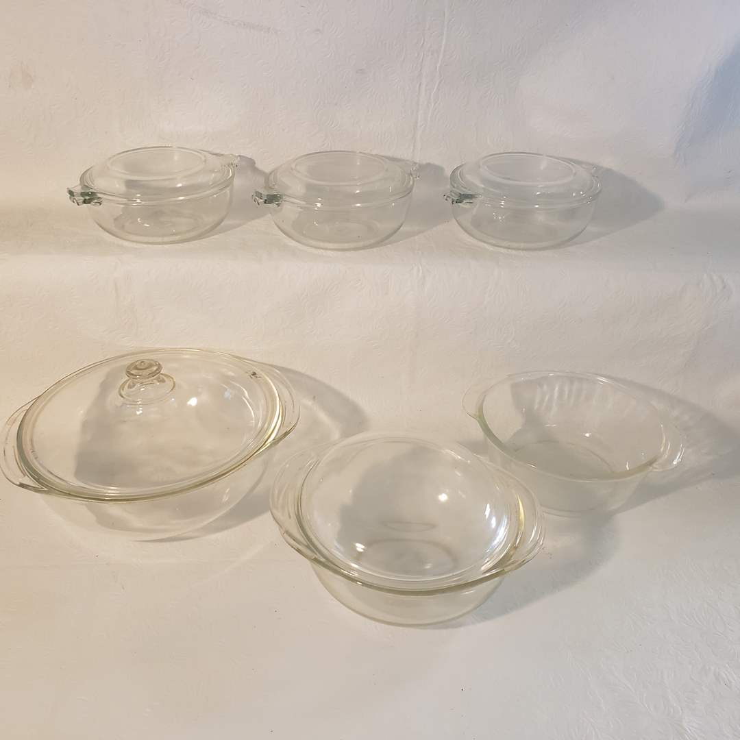 Lot#79 - Pyrex & Fire King Glass Bowls and Lid Lot (main image)