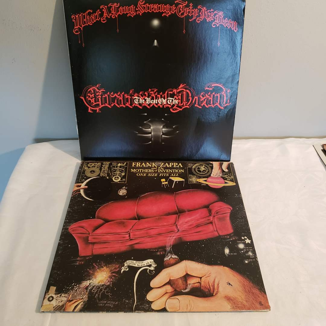 Lot#85 - Grateful Dead and Frank Zappa Albums * Vinyl is in Excellent Condition (main image)