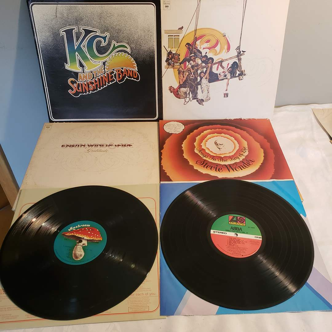 Lot#90 - 6 Albums * KC & The Sunshine Band * Chicago * Earth, Wind & Fire * Stevie Wonder * ABBA * Heart (main image)
