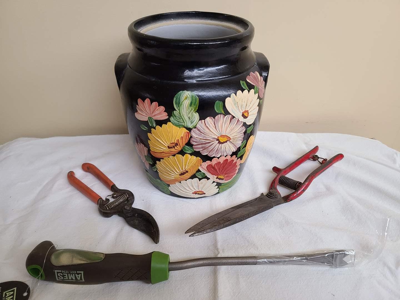 Lot#109 - Hand Painted Ransburg Black Pot * Garden Tools (main image)