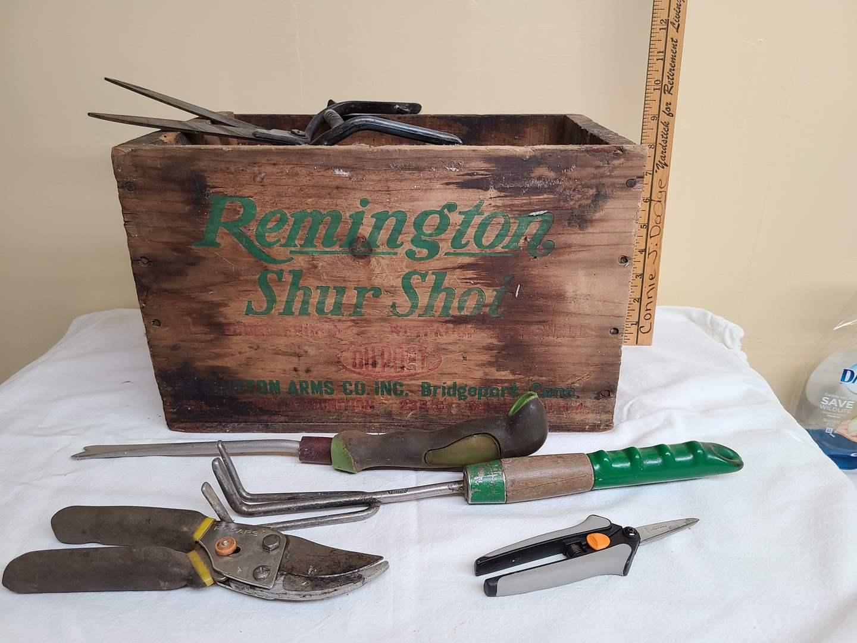 Lot#112 - Remington Shur Shot Wooden Box * Garden Tools (main image)