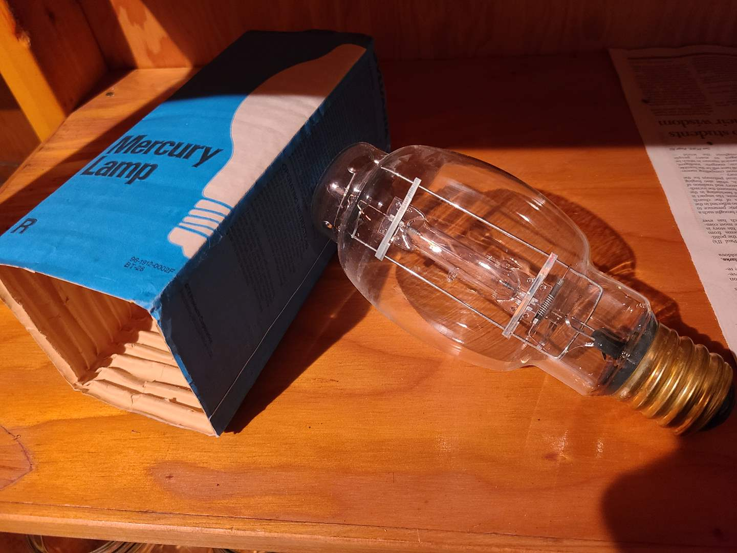 Lot#125 - Vintage Mercury Lamp in Packaging  (main image)