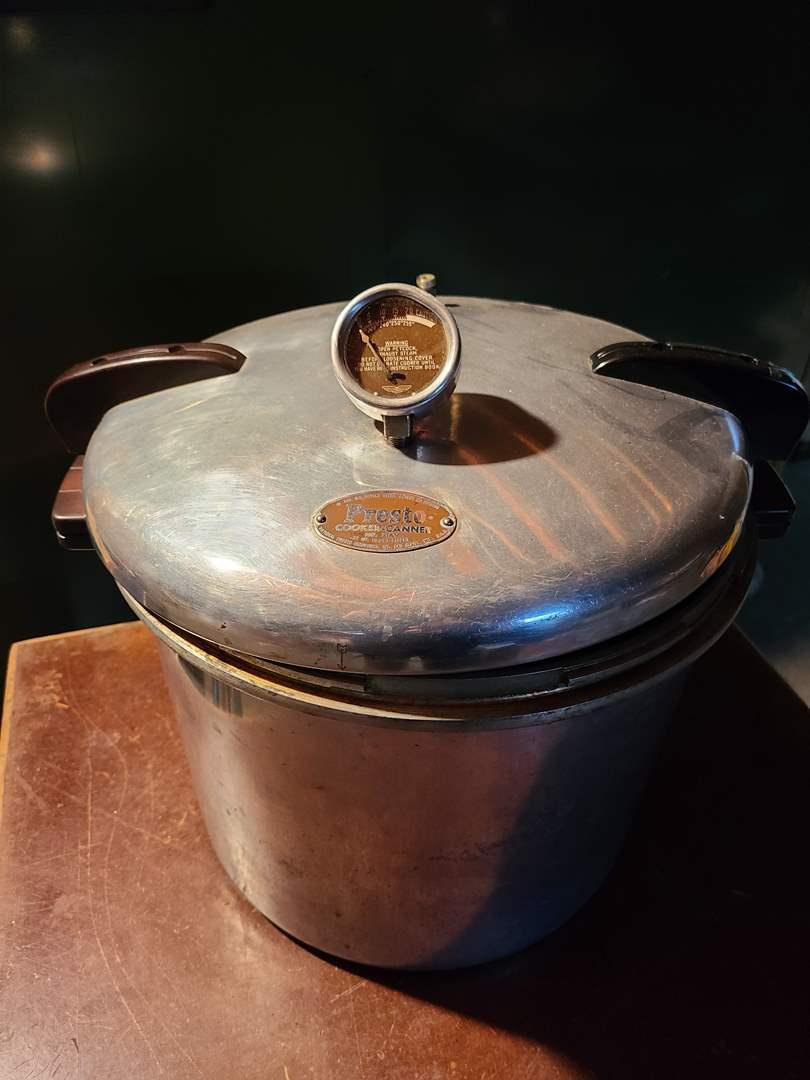 Lot#134 - Presto Cooker-Canner 21 Qt. * Model 21AV (main image)