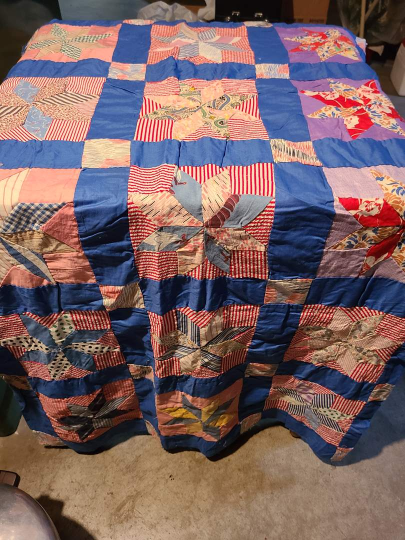 Lot#135 - Vibrant Quilt Topper * Great Find to Complete your own project (main image)