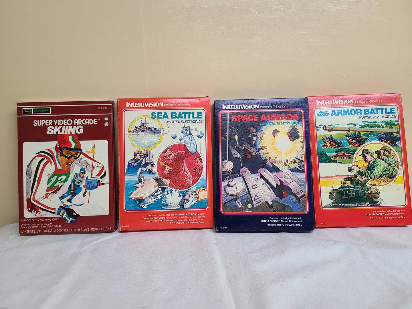 Lot#138 - Intellivision Games * Sea Battle * Skiing * Armor Battle * Space Armada (main image)