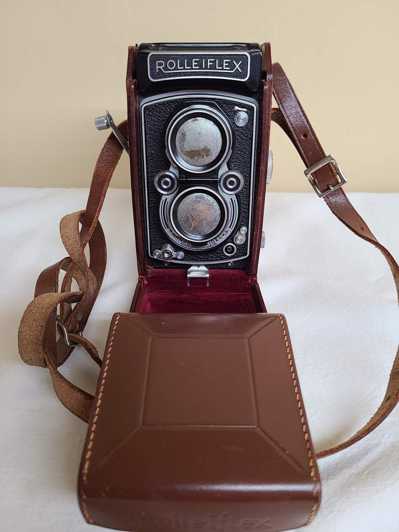 Lot#141 - Rolleiflex Franke & Heidecke Camera * Cool Find! (main image)