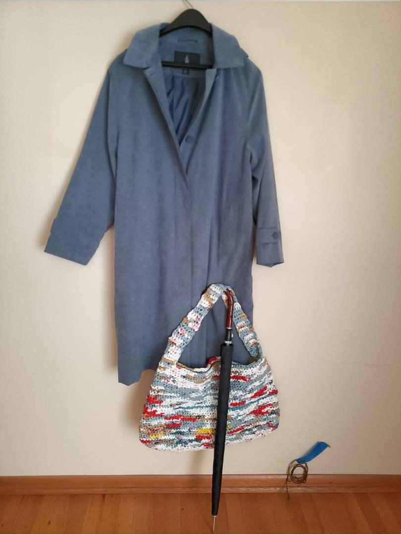 Lot # 86 - Women's London Fog Jacket * Casual Shoulder Bag * Vtg. Umbrella  (main image)
