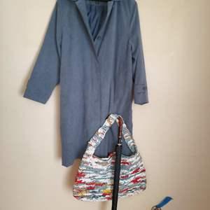 Lot # 86 - Women's London Fog Jacket * Casual Shoulder Bag * Vtg. Umbrella