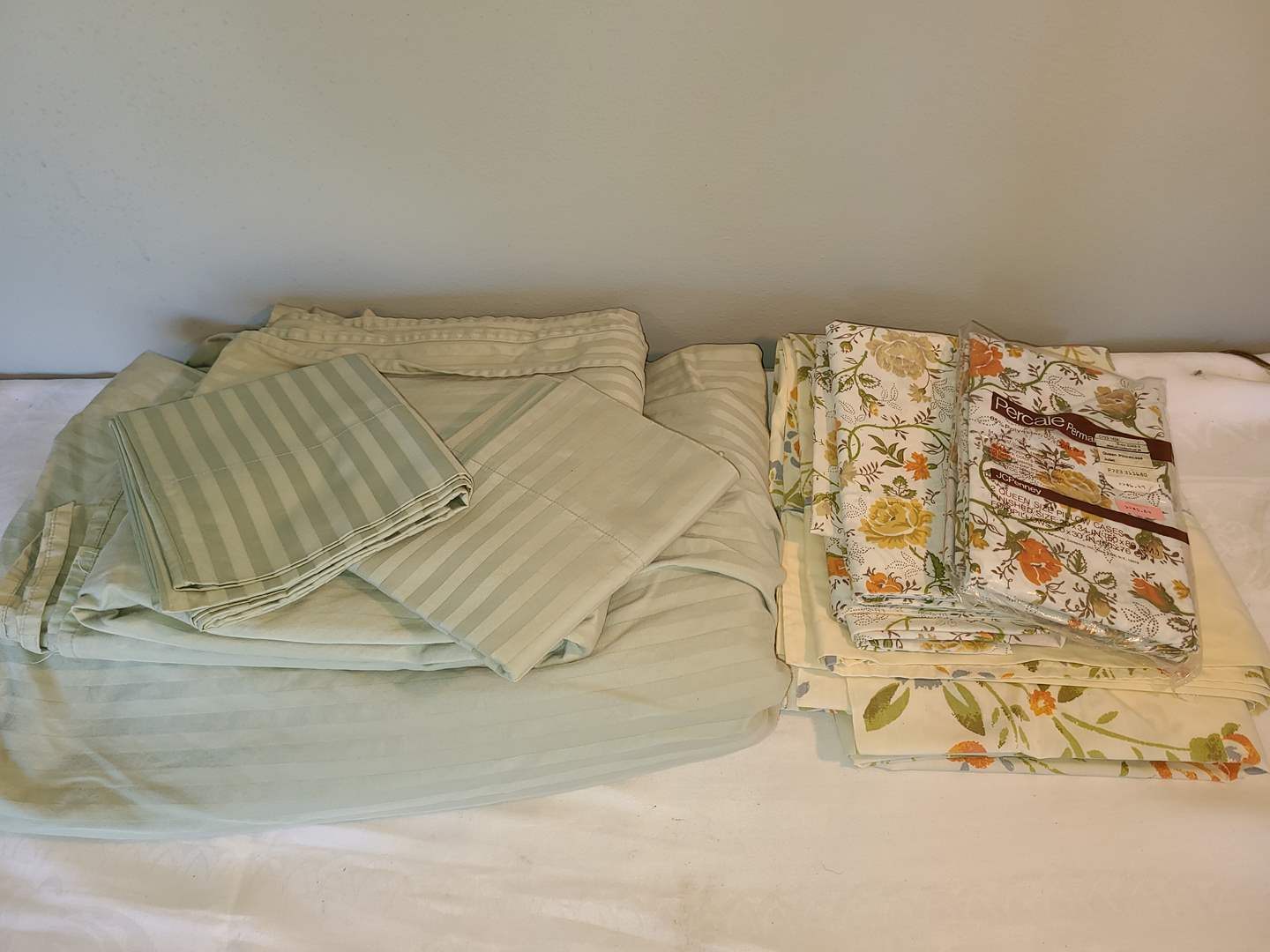 Lot # 127 - Sea Green Striped Double sheet set * Other vintage bedding pieces (main image)