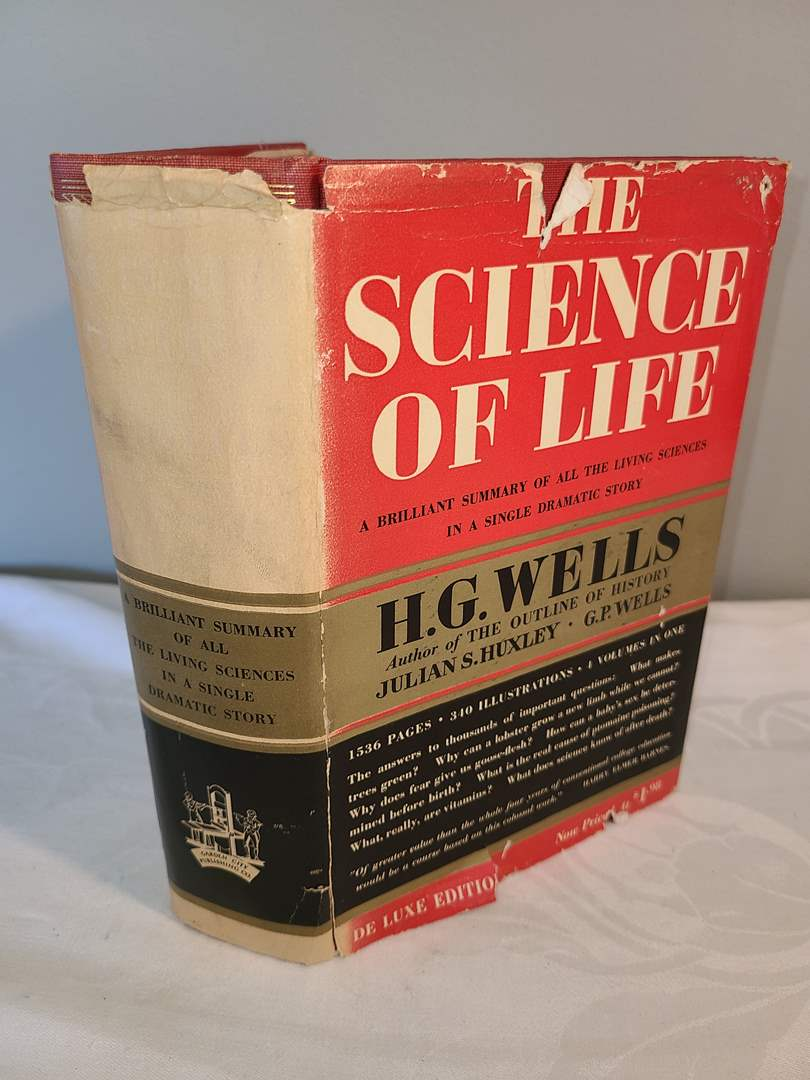 Lot # 134 - 1939 Deluxe Edition Science of Life Book by Wells  (main image)