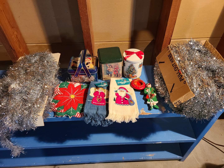 Lot # 153 - Christmas Lot * Vintage Tinsel * Tins * 2 new fingertip towels (main image)