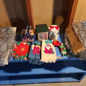Lot # 153 - Christmas Lot * Vintage Tinsel * Tins * 2 new fingertip towels