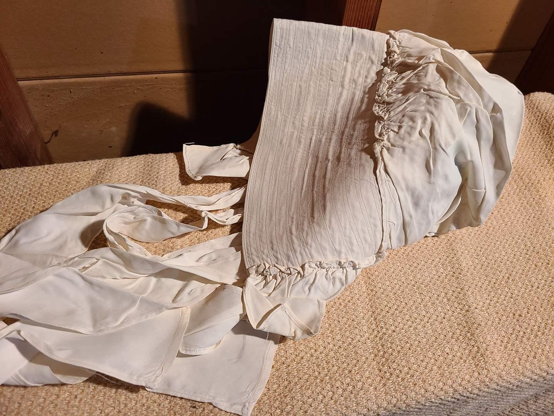 Lot # 162 - Vintage Bonnet Early 1900's * clothing * (main image)
