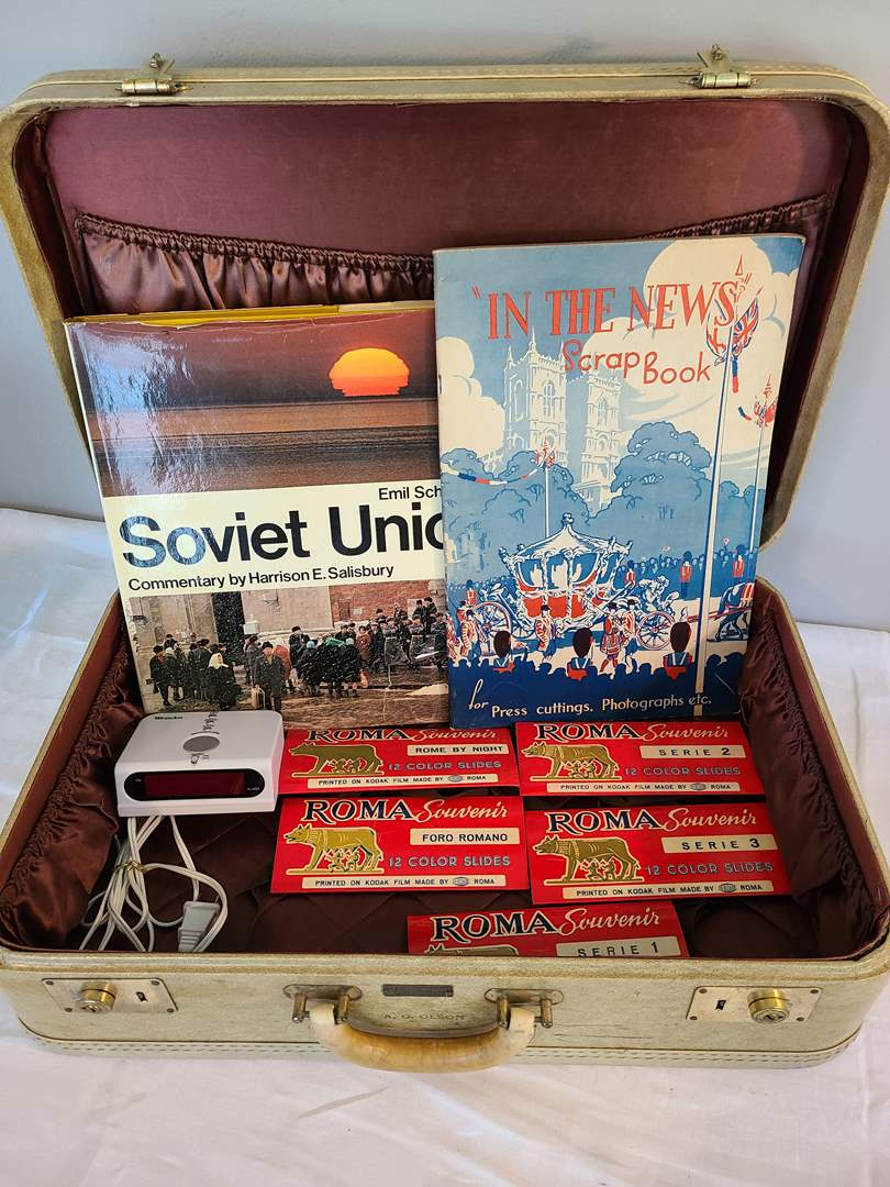 Lot # 172 - Travel Lot * Vintage Suitcase * Roma Picture Slides (main image)