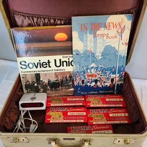 Lot # 172 - Travel Lot * Vintage Suitcase * Roma Picture Slides