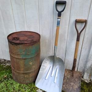 Lot # 20 - Hardened Aluminum Alloy Super Grip Shovel * Vintage Shovel * Metal Barrel