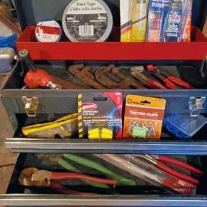 Lot # 5 - Tools * Tool Box * Makita Drill