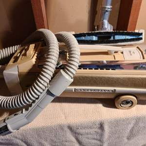 Lot # 146 - Electrolux Vacuum
