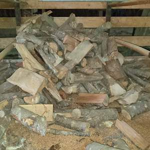 Lot # 182 - Seasoned Dried Firewood Stall 1
