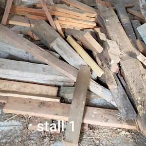 Lot # 185 - Lumber lot