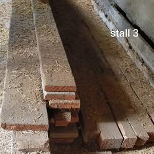Lot # 187 - Lumber stall 3