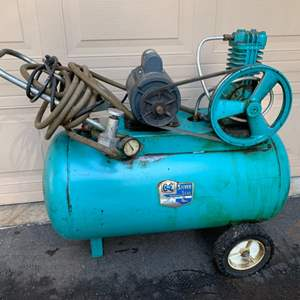 Auction Thumbnail for: Lot #131 - Vintage C to C Silver Seal Automatic Tank Type 22 Gallon Air Compressor Model # 586-6702