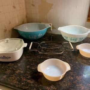 Lot #75 - Vintage Pyrex Mixing Bowls, Anchor Hocking and Corning Ware