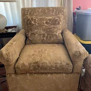 Lot #2 - Lee Industries Quality Armchair