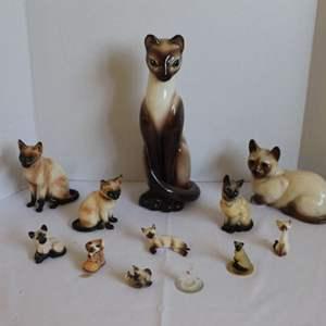 Lot #9 - Adorable Siamese Kitty Cermanic Figurines