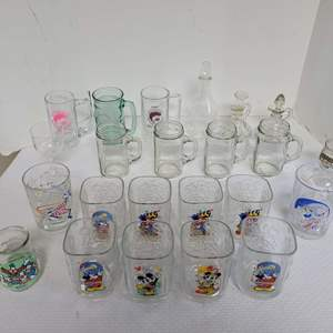 Lot #64 - Disney World Epcot Drinking Glasses from 2000, Vintage Welch's Disney and More