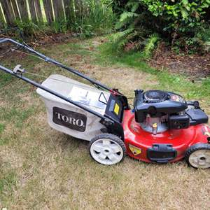 """Lot #73 - Toro 22"""" Recycle Lawn Mower with Bag, in Working Condition"""