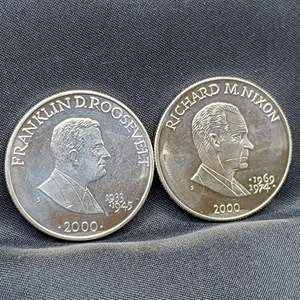 Lot 66 - 2000 Set of Two Republic of Liberia Presidential Five Dollar Coins, Nixon and FD Roosevelt