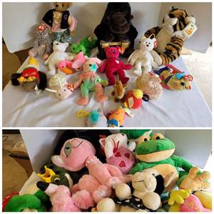 Lot #83 - A Selection of Ty Beanie Babies, Other Plush Animals and Frog Collection